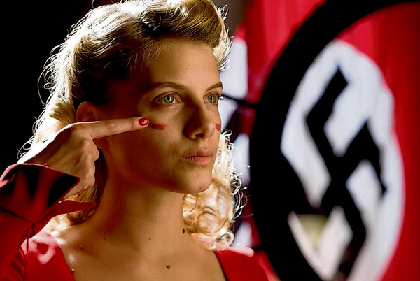 Mélanie Laurent putting on the war paint (see #4)