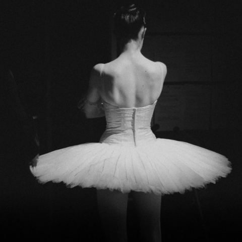 ballerina-ballet-black-and-white-dancer-tutu