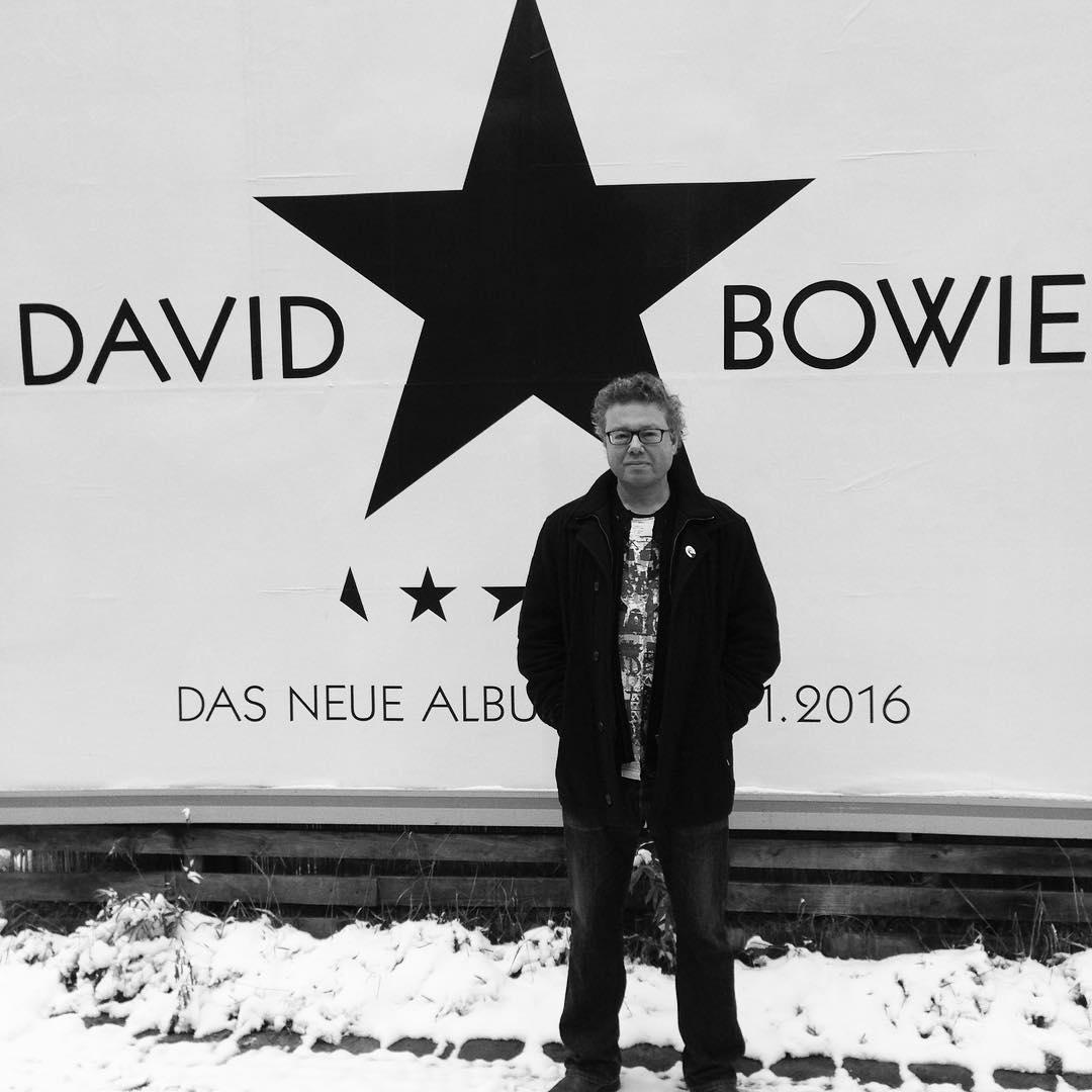 schwarzer-stern---berlin-bowie_24352746821_o