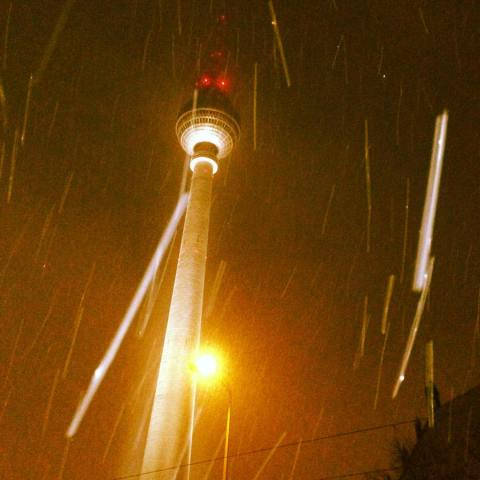 snow-in-berlin_23794657874_o