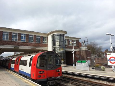 east finchley underground tube station