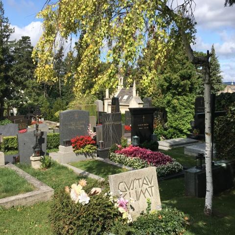 Klimt's grave Hietzing Josef Hoffmann: Grave of Gustav Klimt, Vienna Cemetery Hietzing, Vienna, Group 5, Grave # 194