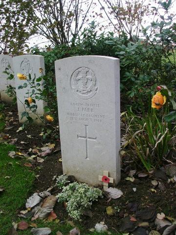 Private_John_Parr_grave_at_St_Symphorien_cemetery
