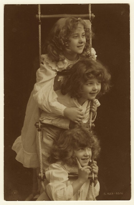 three-girls-ladder-postcard H. Traut of Munich