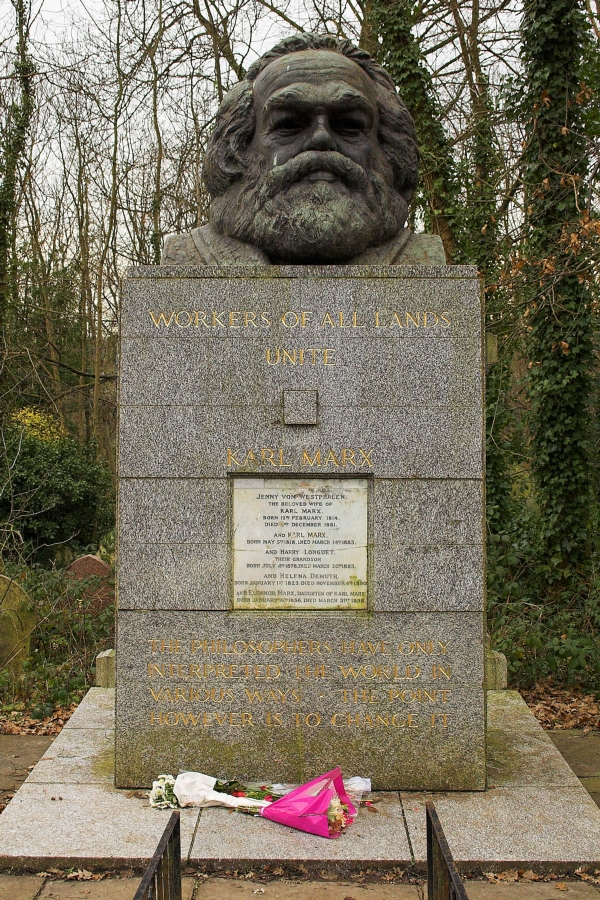 Karl_Marx_tomb highgate london