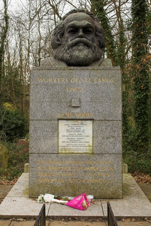Karl_Marx_tomb highgate london