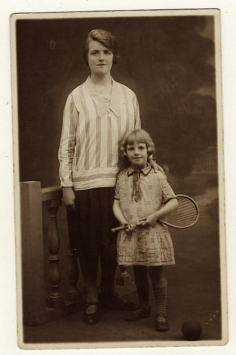 tennis TIC vintage postcard front