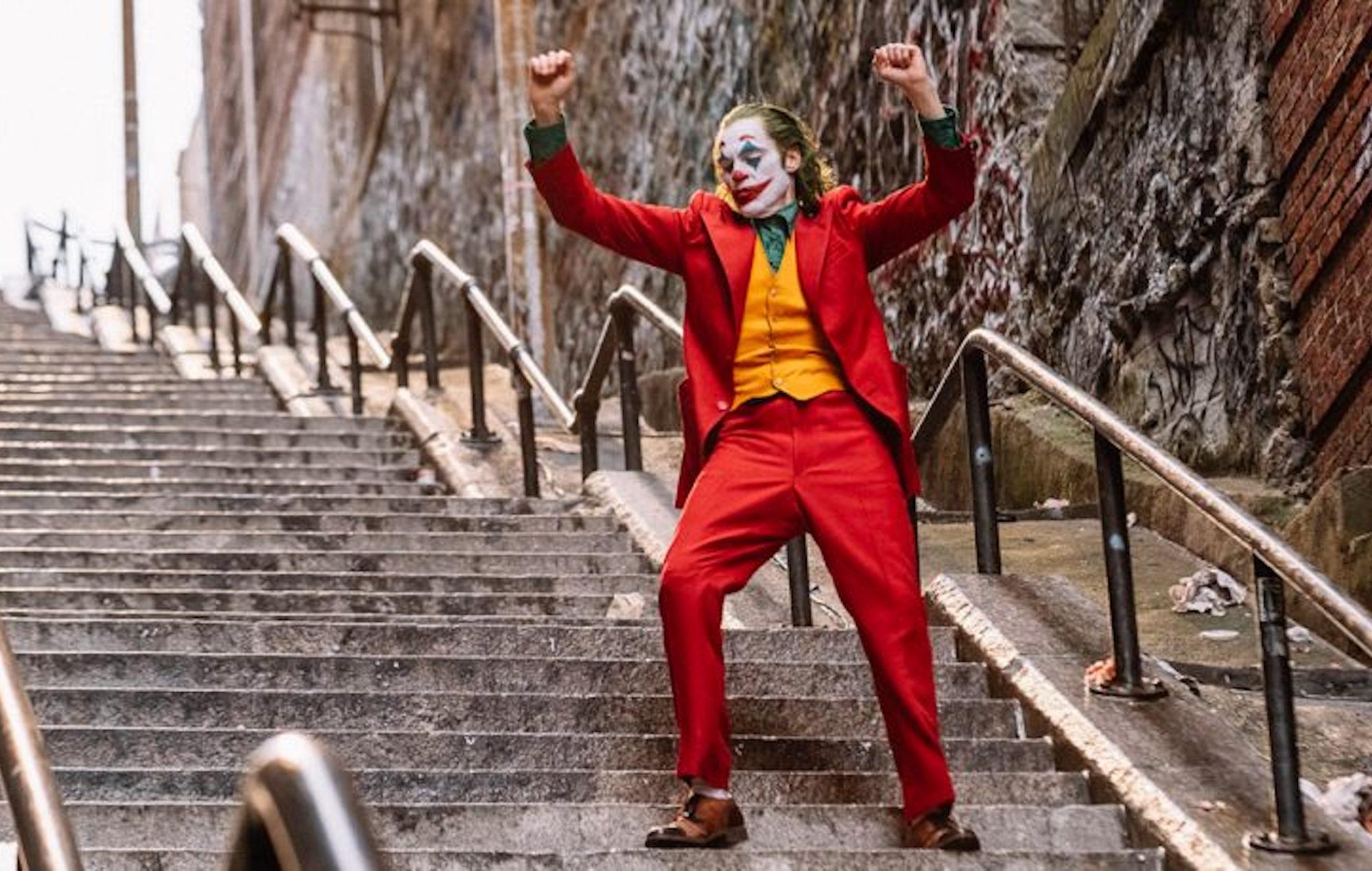 joker joaquin phoenix actor movie stairs