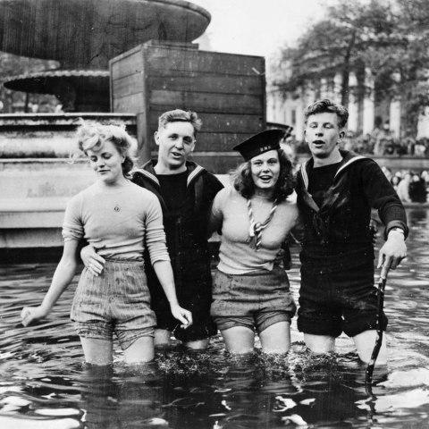 ve day trafalgar square 8 may 1945
